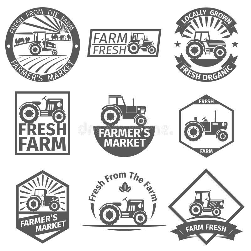 Etiquetas da exploração agrícola com trator ilustração do vetor