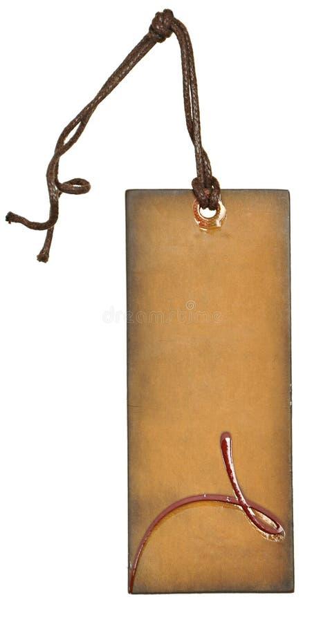 Etiquetas de papel envejecidas sucias con los remaches y las secuencias tradicionales simples, fondo blanco aislado del metal, de imagen de archivo