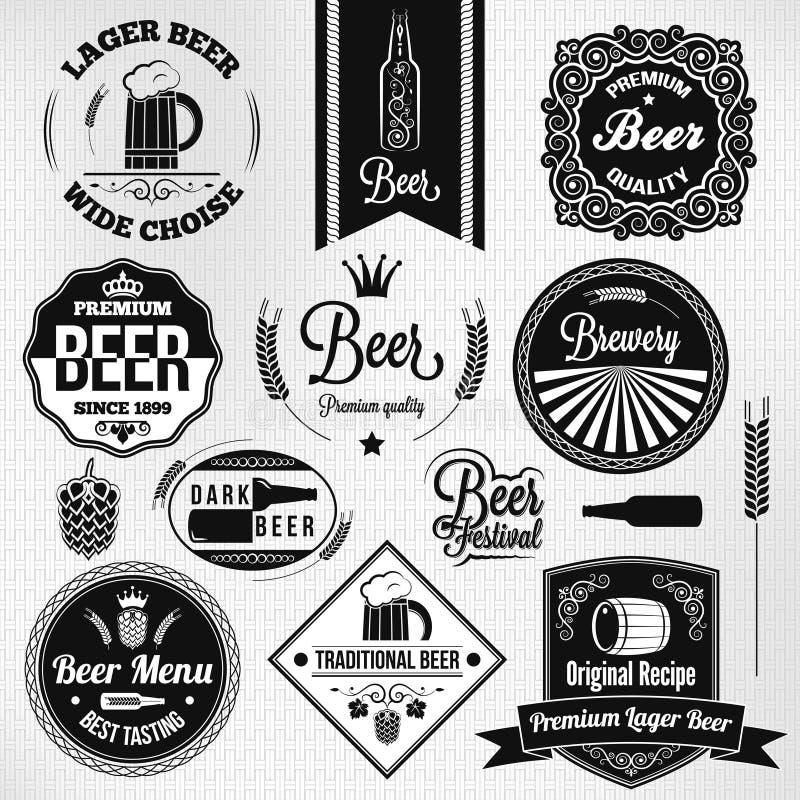 Etiquetas determinadas de la cerveza dorada del vintage de la cerveza ilustración del vector