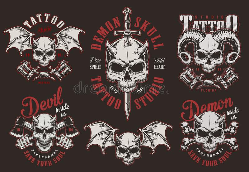Etiquetas do estúdio da tatuagem do crânio do demônio do vintage ilustração royalty free