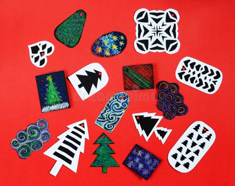 Etiquetas hechas a mano del regalo de la Navidad fotografía de archivo libre de regalías