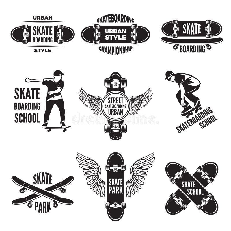 Etiquetas monocromáticas dos skateres Imagens de skateboarding ilustração do vetor