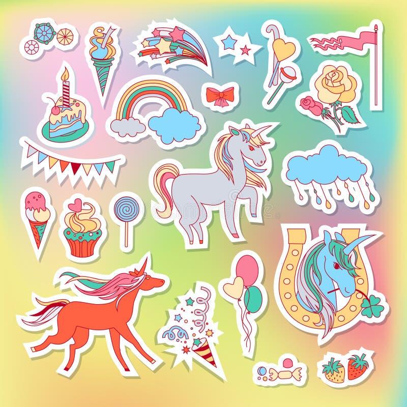 Etiquetas multicoloridos do unicórnio com arco-íris, unicórnio, nuvem, bolo, doces, gelado e bandeira ilustração do vetor