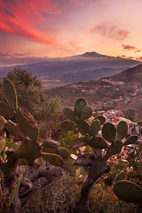 Etna bij zonsondergang royalty-vrije stock fotografie