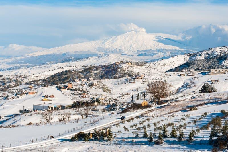 Etna nevado foto de stock
