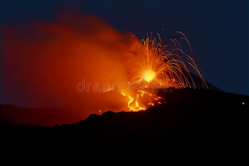 Etna Strombolian活动 免版税库存照片