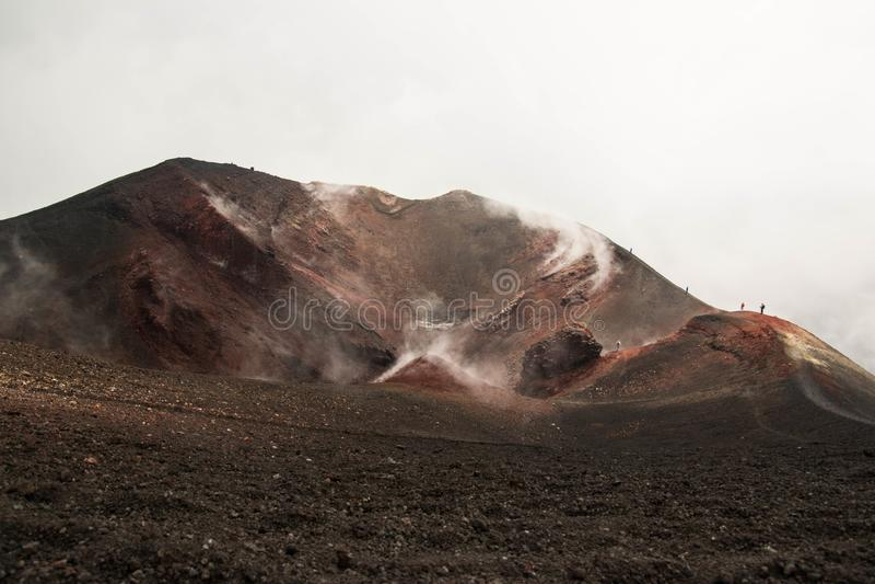 Etna wulkanu aktywny krater, Włochy zdjęcia stock