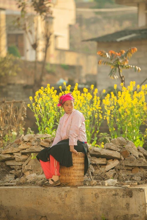 Etnische minderheidvrouwen stock afbeeldingen