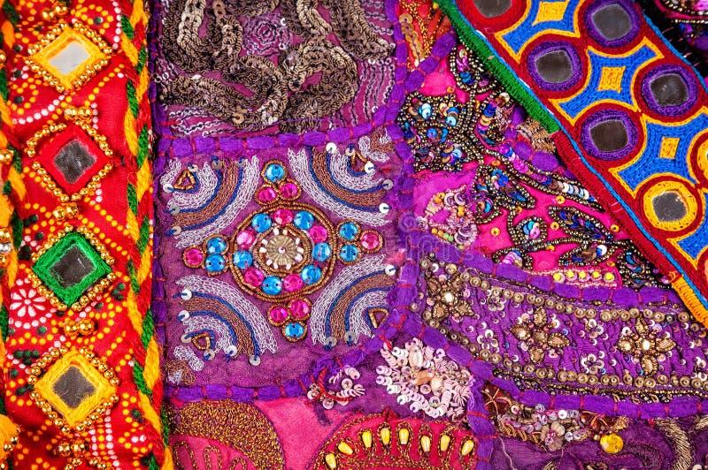 Etnisk Rajasthan kudde och bälten arkivbilder