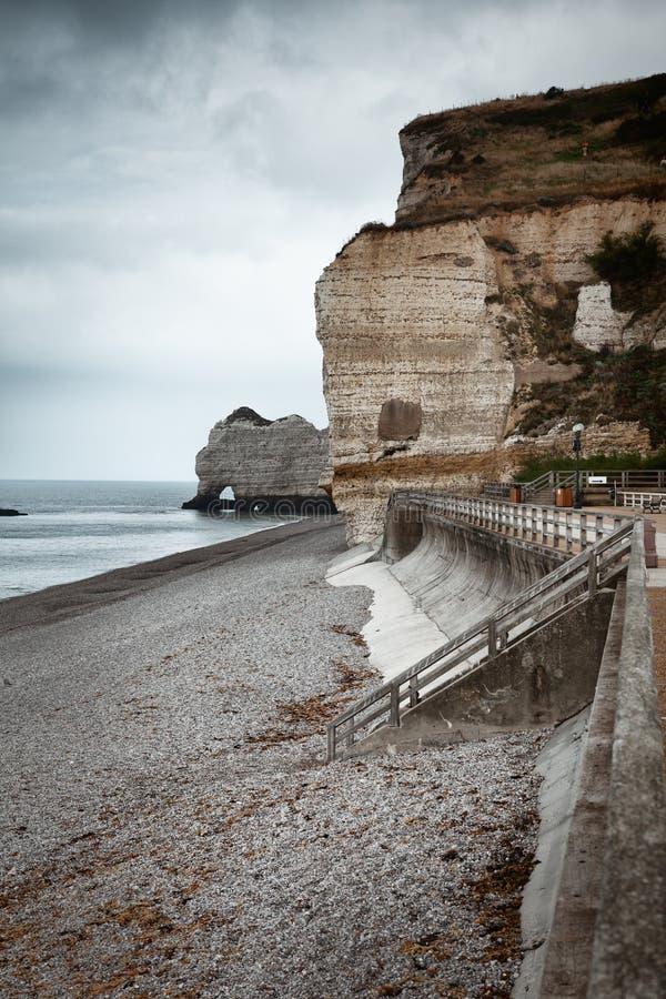 Etretat峭壁在诺曼底,法国 免版税库存图片