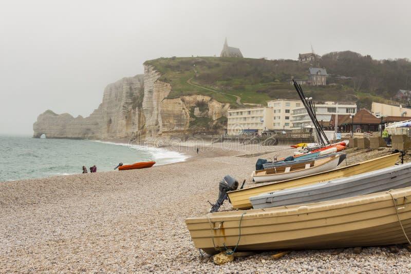 Etretat, d'Albatre de Cote de Frances (côte d'albâtre) fait partie de photo stock