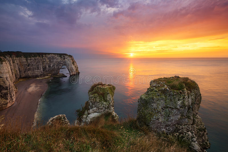 Etretat klippor, Frankrike arkivfoto