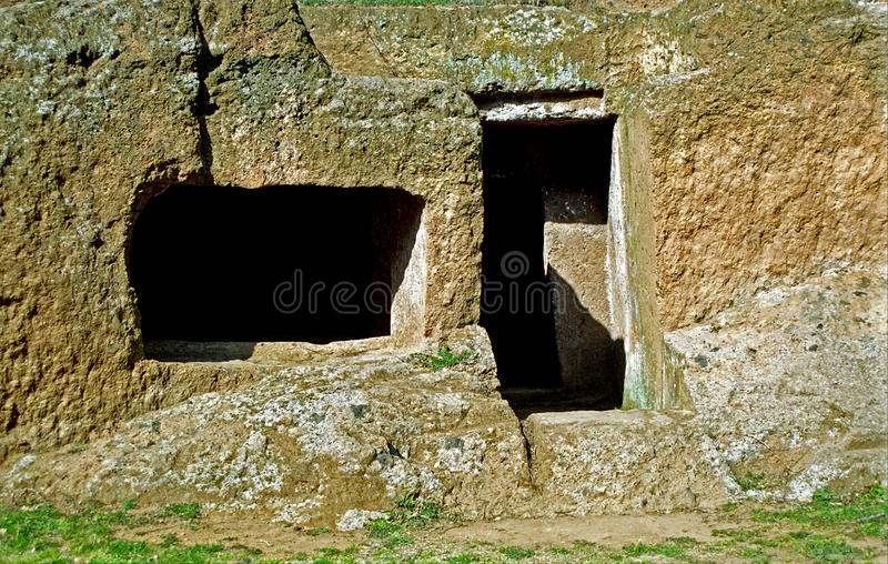 Etruscan坟茔,切尔韦泰里,意大利 免版税图库摄影