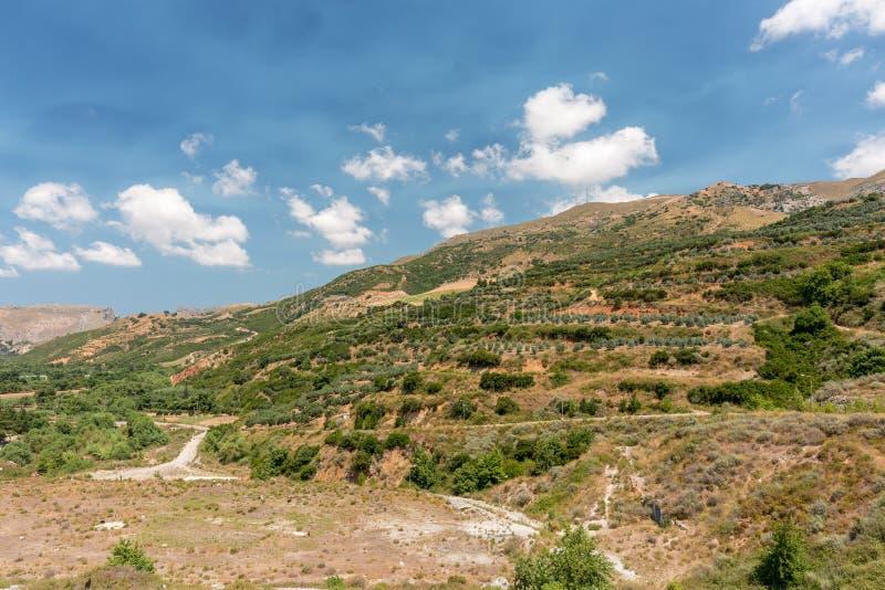 Ett annat närliggande område av Potami fördämning sjön, Kreta, Grekland royaltyfria bilder