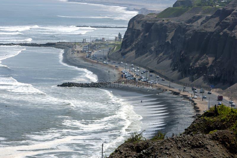 Ett avsnitt av den Miraflores stranden på Lima i Peru royaltyfri fotografi