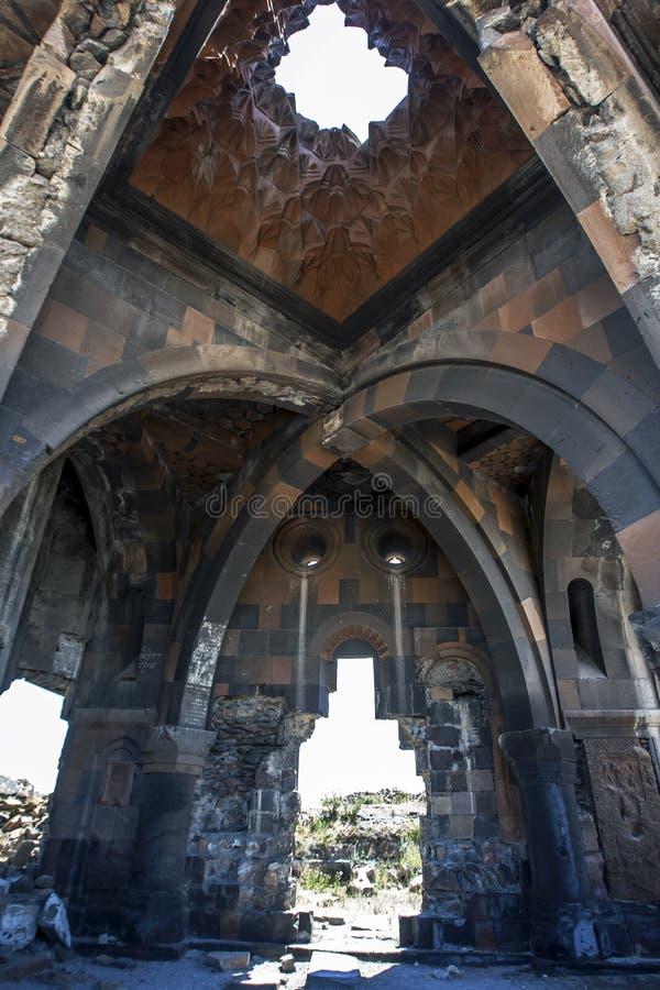 Ett avsnitt av inre av kyrkan av apostlarna på anien i den avlägsna öst av Turkiet royaltyfri foto