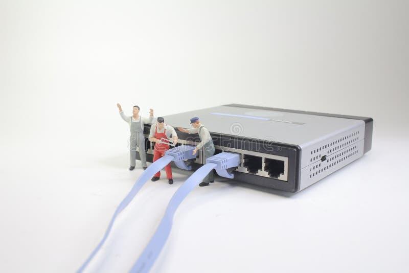 ett begrepp för nätverksanslutning med det lilla diagramet arkivbilder