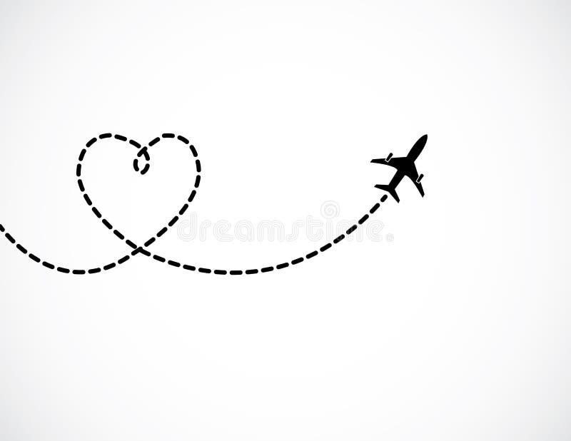 Ett flygplanflyg i den vita himlen som lämnar bak en förälskelse, formade rökslingan