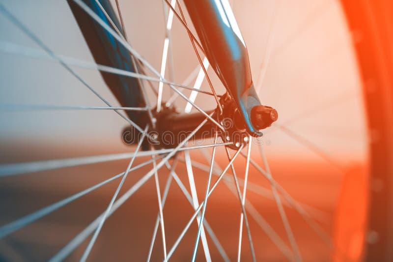 Ett fragment av ett cykelhjul royaltyfria bilder