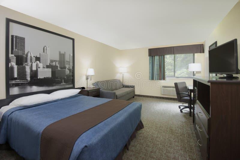 Ett gästrum i ett hotell royaltyfria foton