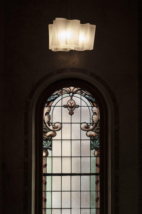 Ett härligt dekorativt fönster royaltyfria foton
