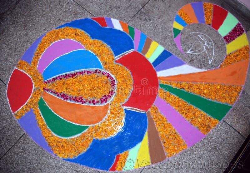 Ett härligt många färgar rangoli som så bra royaltyfri bild