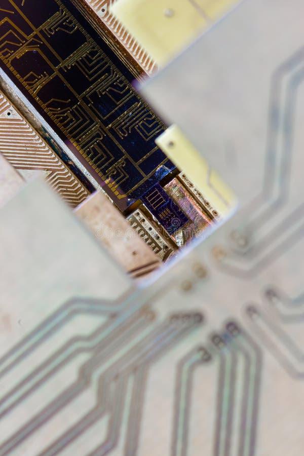 Ett inbyggt - strömkrets upp slut arkivfoto