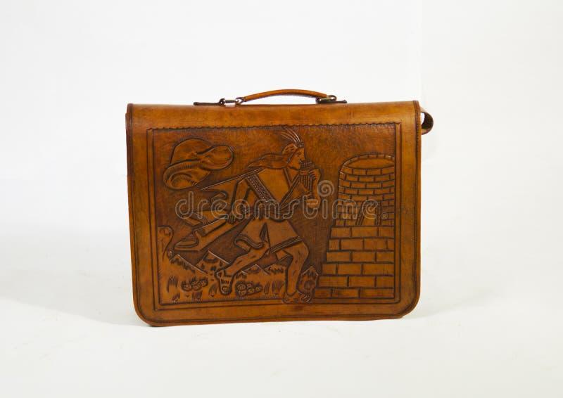 Ett kallt läder för handväskamadesod av kon som bär allt till överallt royaltyfria bilder