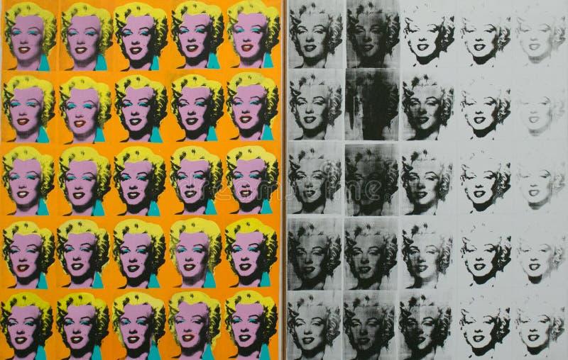 Ett konstverk av Andy Warhol i den berömda Tate Modern i London royaltyfri illustrationer