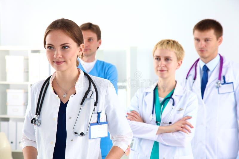 Ett lag av unga doktorer arkivfoton