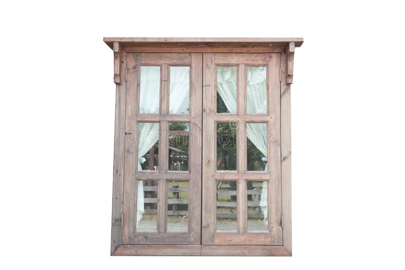 Ett lantligt träfönster är en vit bakgrund royaltyfri bild