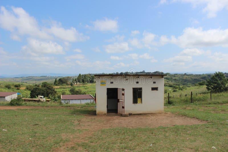 Ett litet stoppa-shoppar i lantliga Swaziland, sydliga Afrika royaltyfri foto
