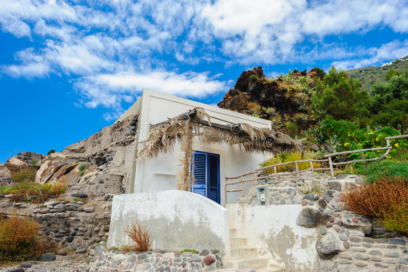 Ett lokalt hus, Alicudi ö, Italien royaltyfri fotografi