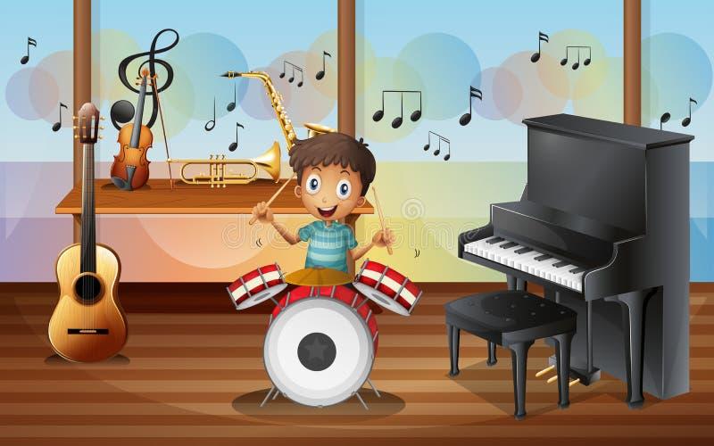 Ett lyckligt drummerboy inom musikrummet royaltyfri illustrationer