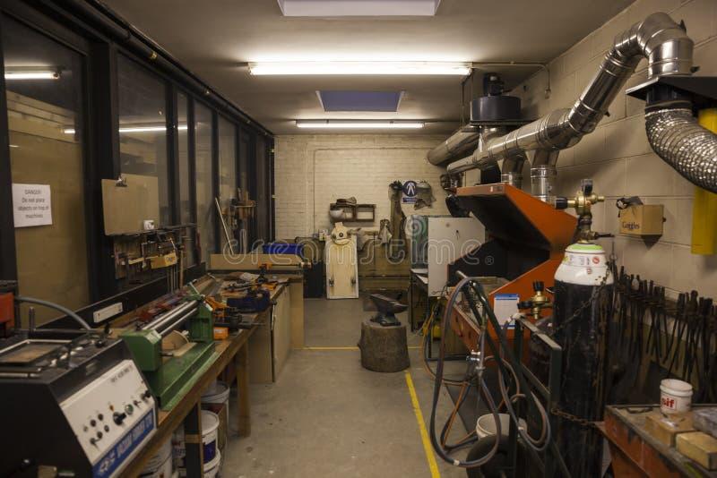 Ett metallarbeteseminarium i en skola i UK arkivfoton