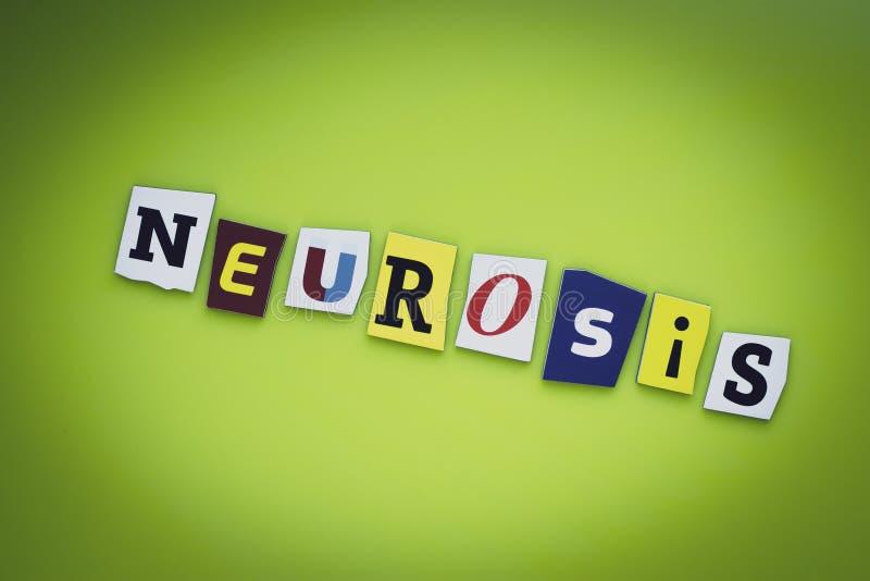 Ett ord som skriver textneuros från klippta bokstäver på en grön bakgrund Rubrik - neuros, kort av psykologi Baner med inscript arkivfoton