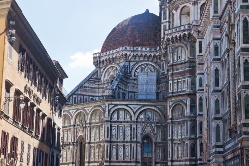 Ett slut upp av duomoen i Florence Italy arkivbilder