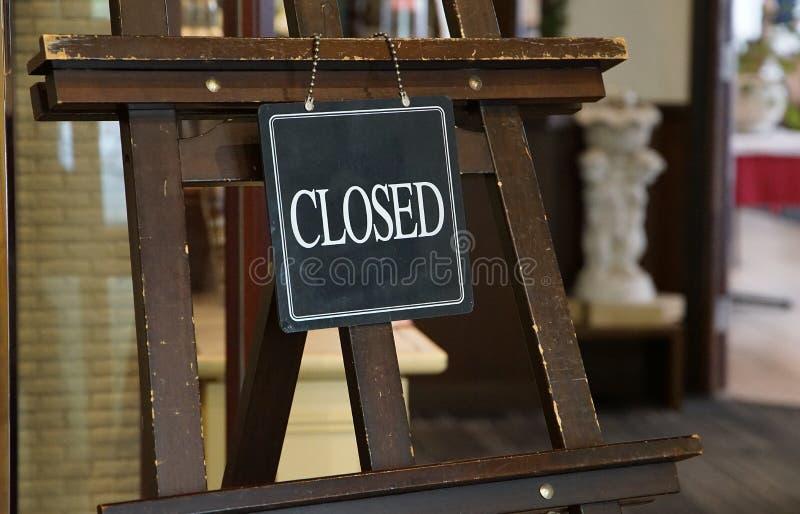 Ett tecken av att stänga ingången royaltyfri bild