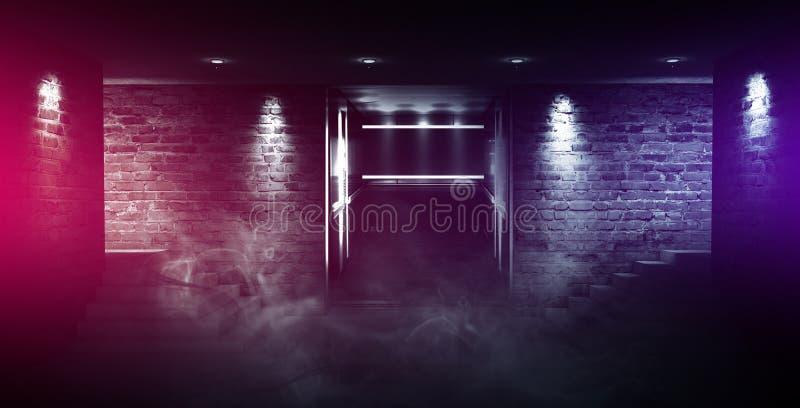 Ett tomt rum med tegelstenväggar och det konkreta golvet Tomt rum, trappa upp, hiss, rök, smog, neonljus, lyktor arkivbilder