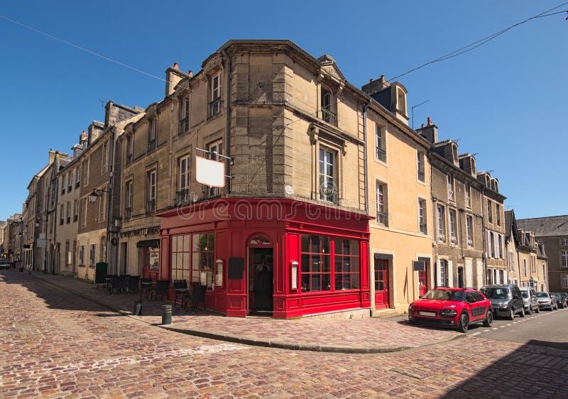 Ett typisk gatahörn i den medeltida staden av Bayeux, Calvados avdelning av Normandie, Frankrike arkivfoto