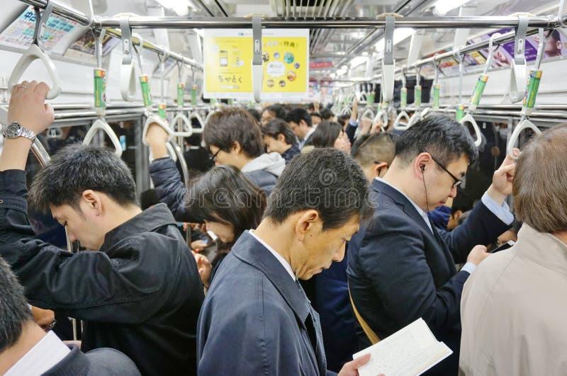 Ett UNIQLO-klädlager i Tokyo, Japan royaltyfri fotografi
