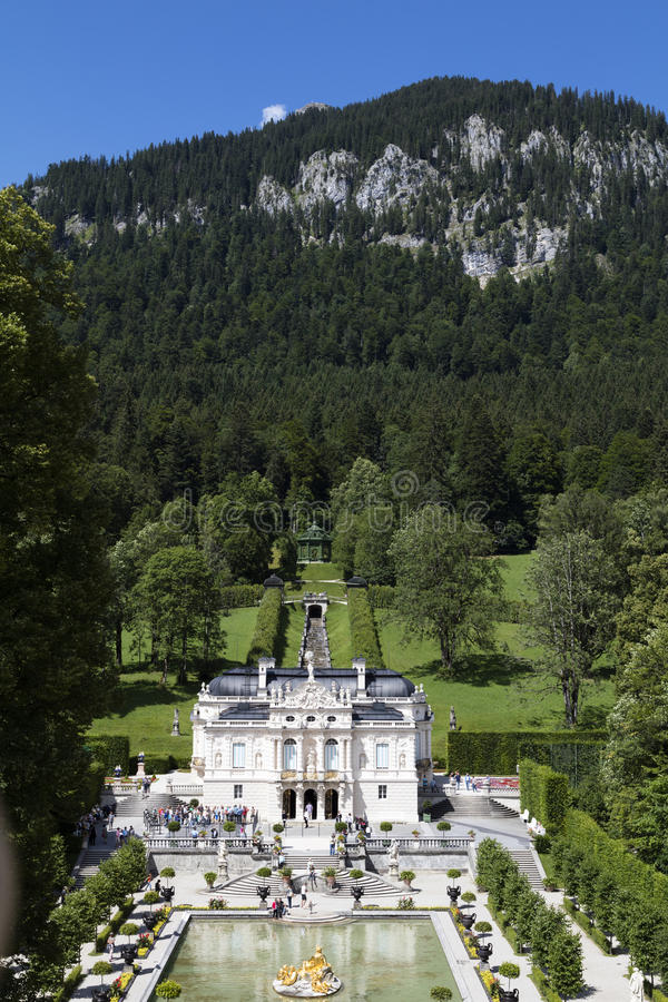 Ettal,德国, 2015年7月23日:在巴伐利亚人A的城堡Linderhof 免版税库存照片