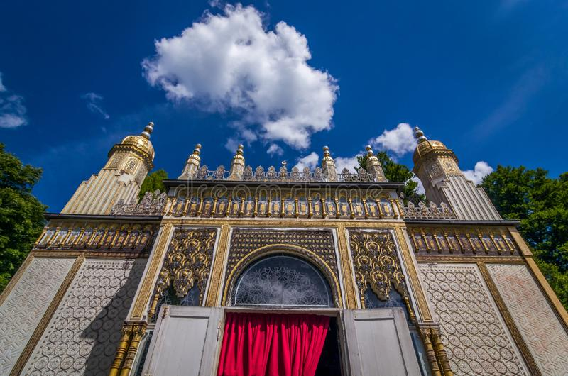 Ettal, Germania, il 14 agosto 2017: Chiosco di moresco nel palazzo di Linderhof da re Ludwig II in Ettal, Baviera, Germania fotografia stock