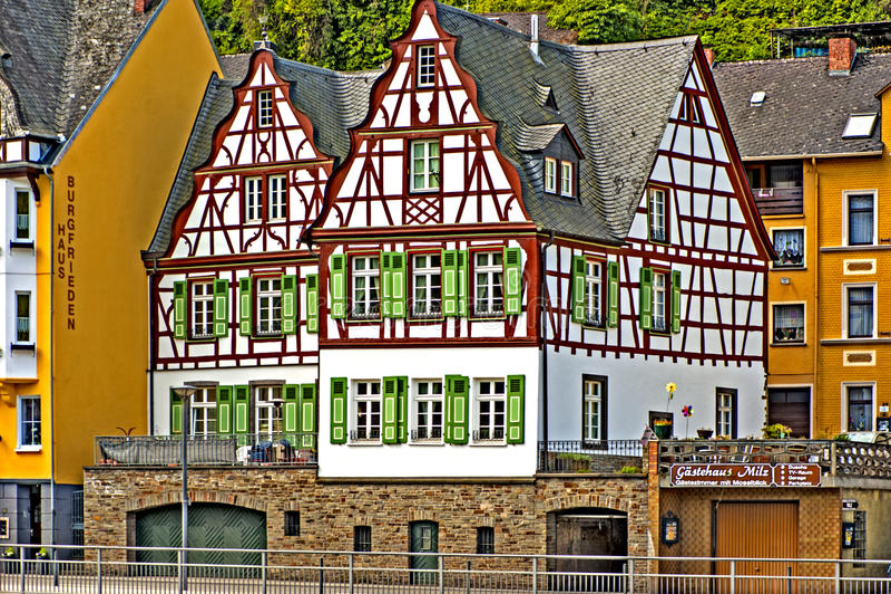 Etttimra hus, Cochem, Tyskland arkivbild