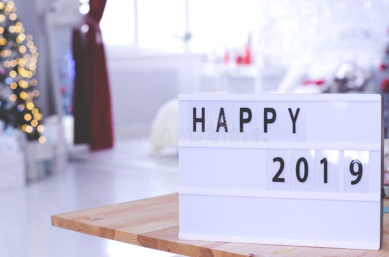 Etykietka z wpisowymi szczęśliwymi 2019 rok zdjęcia stock