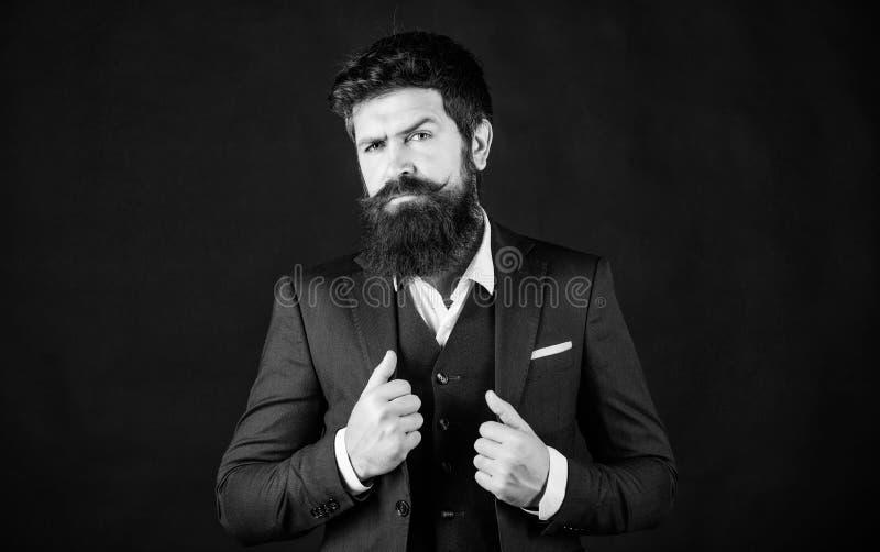 Eu amo meu trabalho Chefe da máfia do homem barbudo Moda formal masculina Stylish Mafia chefe Homem de negócios de fato Chefe Maf fotografia de stock royalty free