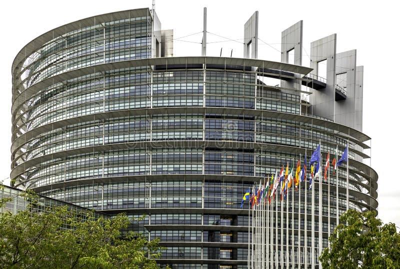 EU-byggnaden i Strasbourg royaltyfria bilder