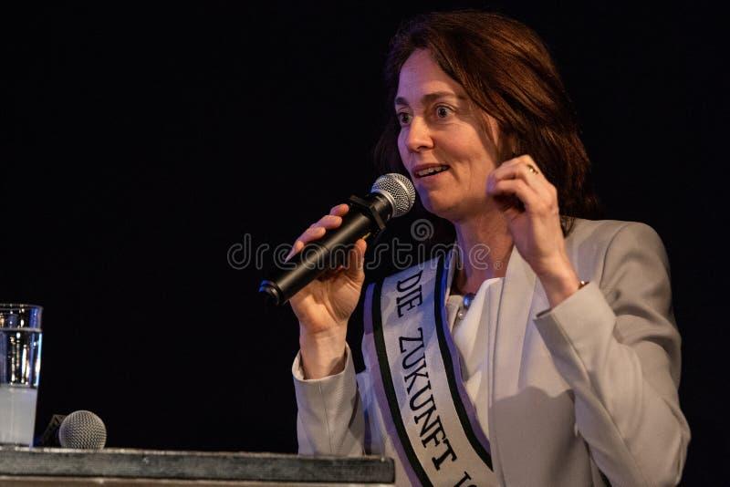 EU-kandidat Katarina Barley som talar på Berlinens World Womens dag 2019 arkivfoto