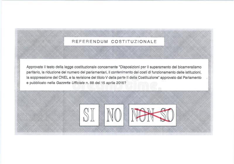 EU o ` T de DON CONHEÇO o voto no vermelho na cédula italiana fotografia de stock