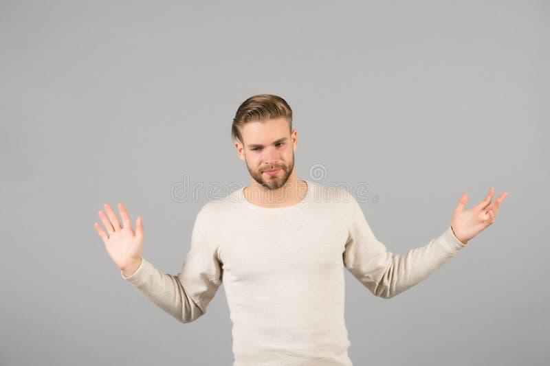 Eu sou alimentado acima Apenas deixe-me sozinho Equipe o fundo macho, cinzento à moda não barbeado considerável impossível cansad imagens de stock